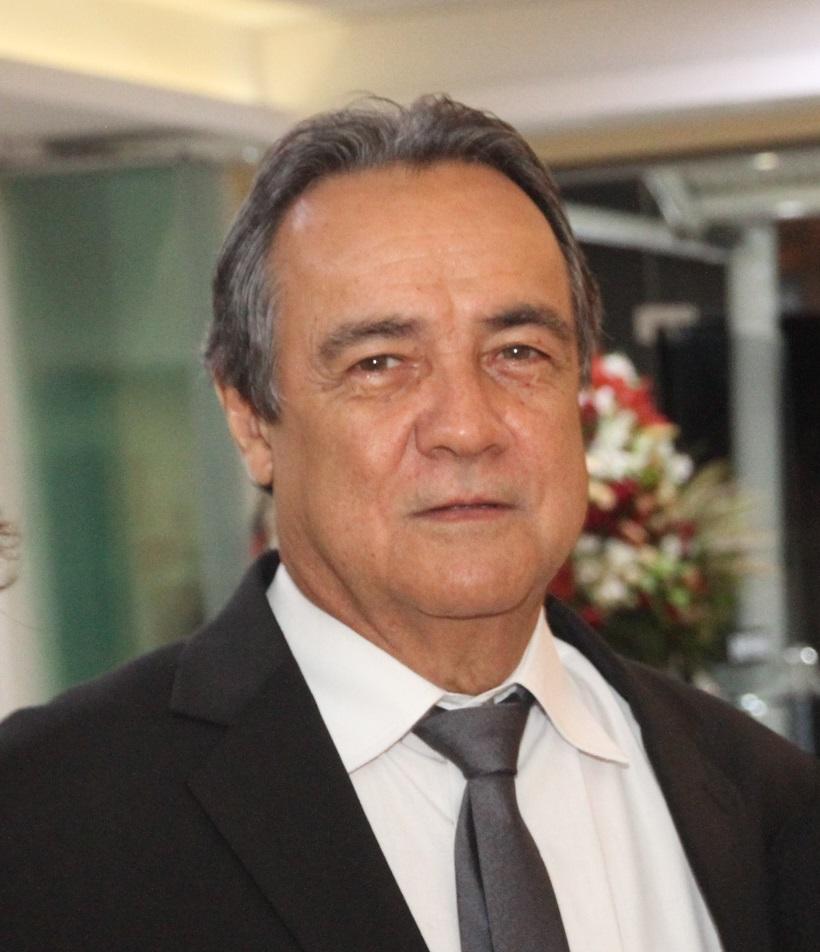 Dr. Nilton Arantes Silva